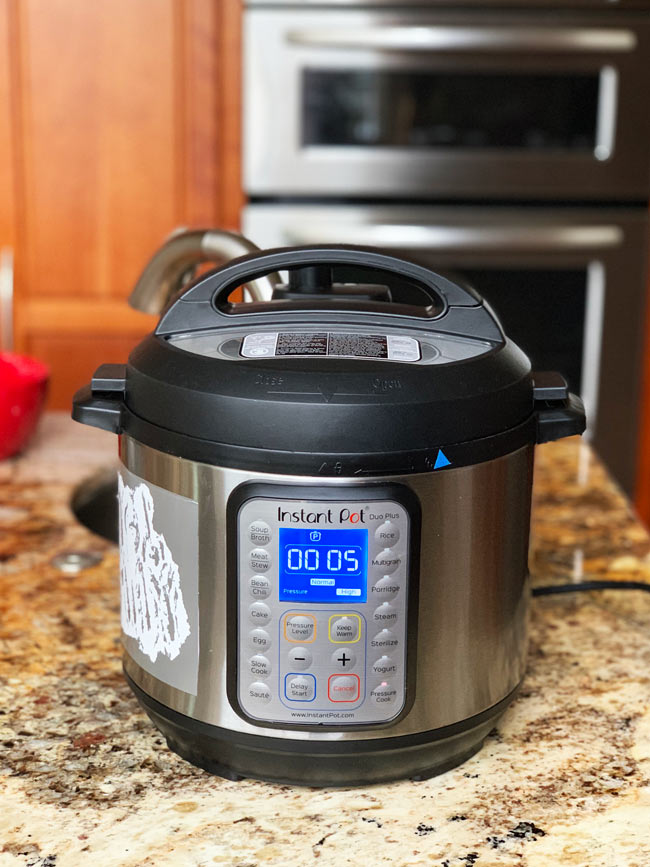 instant pot set to high pressure 5 minutes